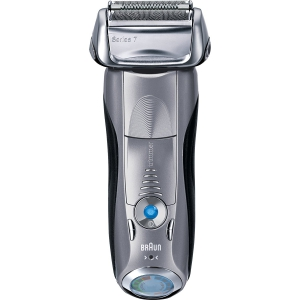 Braun Series 7 790cc Men's Electric Foil Shaver & Razor with Clean & Charge Station