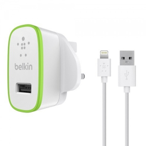 Belkin Boost Up Home Charger UK Integrated with Lightning Cable